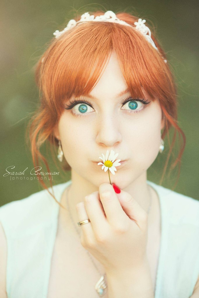 Sarah-Bowman-portrait-with-flower